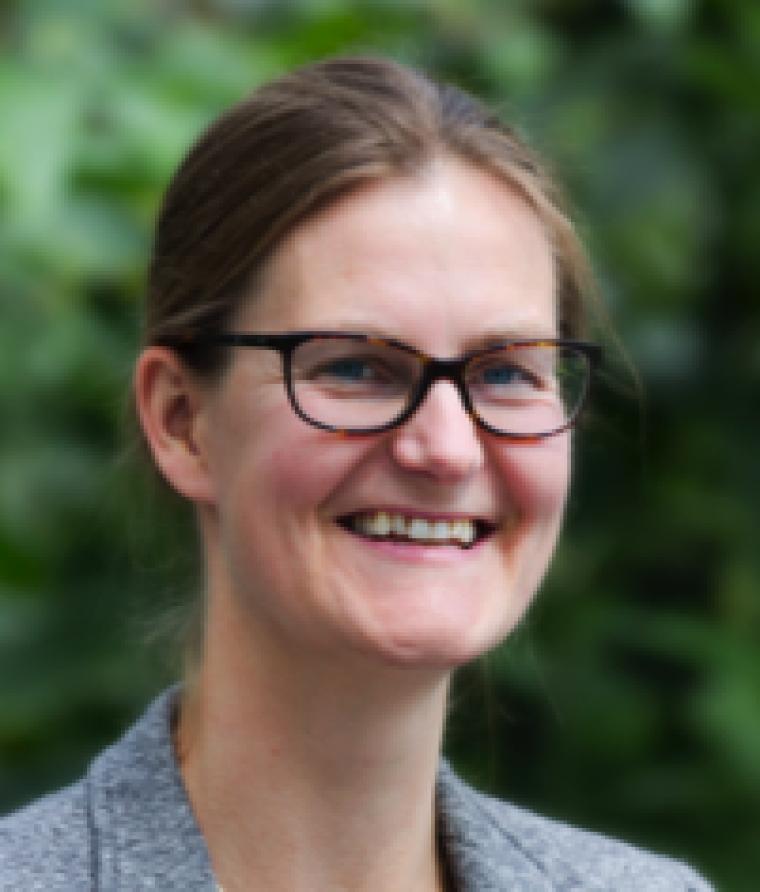 Dr. Ruth Huizinga